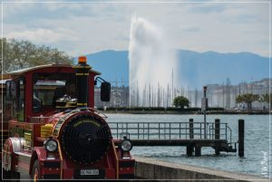 Geneva's Water Fountain: 7 tonnes of water propelled constantly 140m into the air!